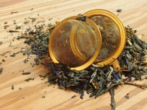 En velsmagende og en dejlig let sødlig grøn te som består af en kvalitets sencha samt indeholder solsikke-, korn- og rosenblomster.