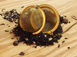 Denne specialitet er ikke kun forbeholdt liebhavere til de ristede kaffebønner. Denne dejlige te med de cremede yoghurt stykker, duften af cacao, lækre chokolade stykker og kaffebønner, understøtter denne eksklusive blanding.