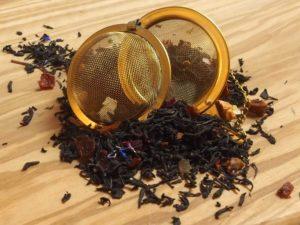 En blanding med frugtstykker og Earl Grey, let sødelig. Grund teen består af Keemun og Ceylon teer.