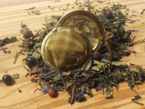 En grøn Sencha, ming mee, pai mu tan, Gunpowder, grøn china wu lu, Jasminblomster, Ribs, solbær og aroma