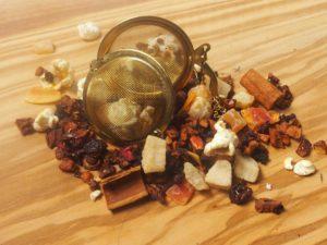 Te der smager af brændte mandler