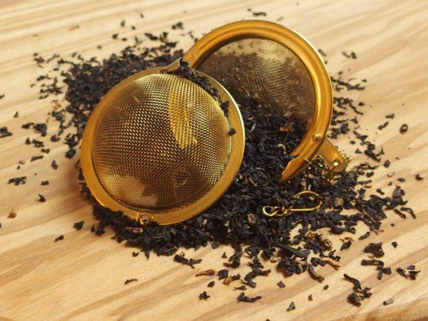 Populær småbladet Assam te med godt kraft og smag.