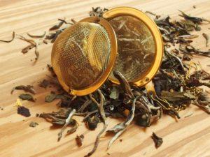Hvid te blandet med naturlig Mango. Smagen er let sødlig og fin og egner sig godt som eftermiddags og aften te.