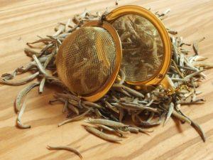 Specielt topskuds te fra Kina som indeholder de fineste sarte og behårede topskud. Smagen er meget fin og sart. En absolut raritet.