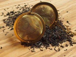 En ædel blanding af Ceylon og Darjeeling teer giver denne te en frisk og let blomsteragtig smagsnuance.