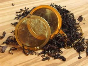 Denne te er en fancy klassisk Oolong te som giver en blomsteragtig og krydret smag. Teen er garvesyresvag.