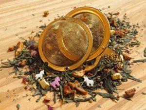 Dejlig grøn te med små sukker enhjørningen.