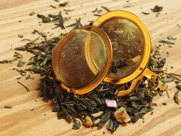 En grøn te der er tilsat naturlig rabarbersmag og stykker som giver teen en spændende og anderledes eftersmag. Den udsøgte Sencha te understreger den frugtige aroma. Dejlig eftersmag af rabarber