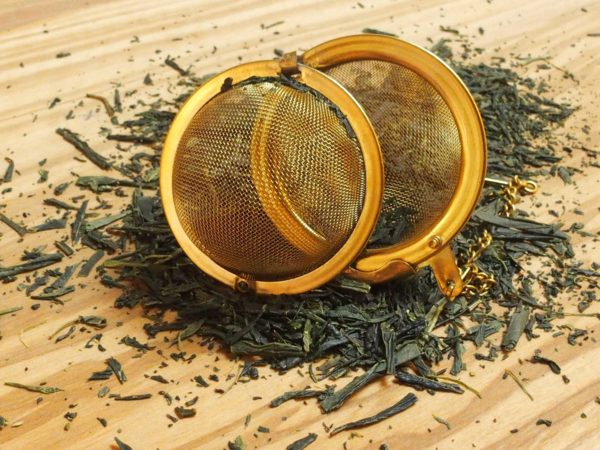 Denne sencha bliver høstet maskinelt i efteråret. Sencha betyder ''dampet te'', og denne te bliver også omhyggeligt bearbejdet, og let dampet før teen bliver rullet og tørret. Teen er rimelig kraftig i smagen.