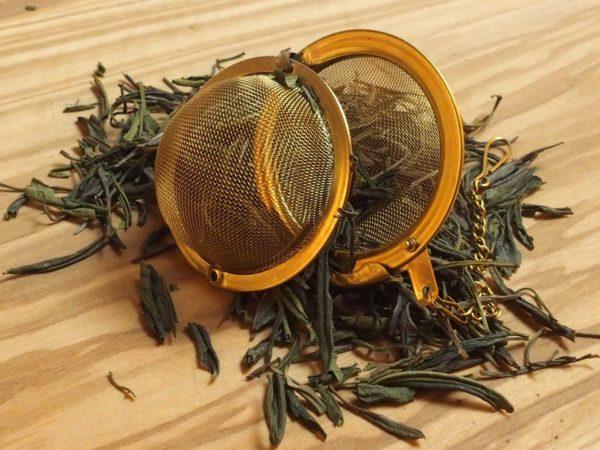 Raritet fra Kina. Gul te, der mest minder om hvid te, har en let sødlig smag med note af kastanje.