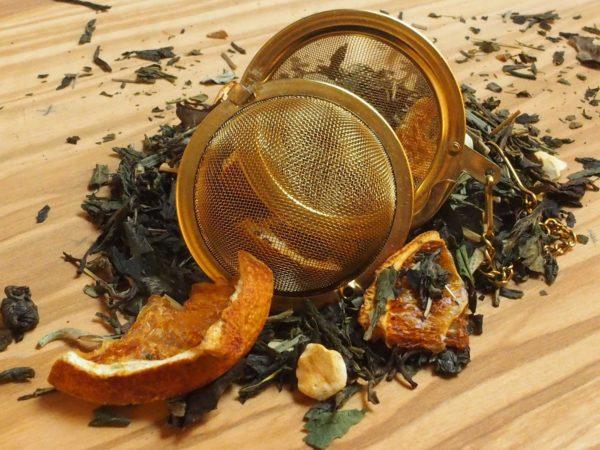 Hvid Pai Mu Tan te fra Kina. Dejlig frisk blanding med Fresh Lemon afrundet med yoghurt. God som is te.