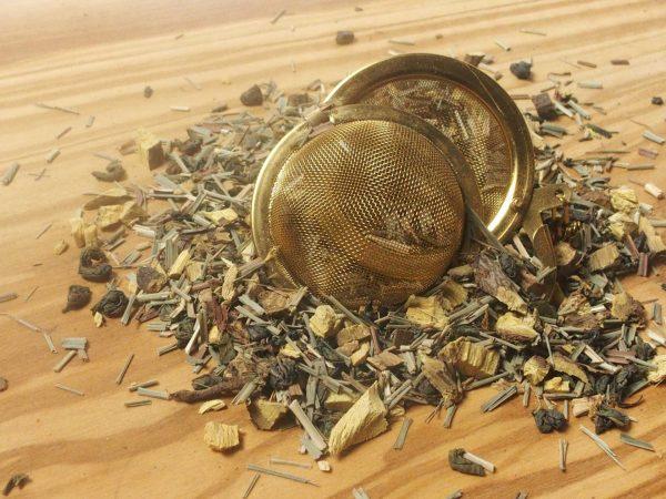 "Denne te har vi blandet til vores livsstilsdrik serie, som passer godt til trenden, ""Sunhed med fornøjelse"" Lakridsrod, lemongras, green mint kendetegner denne te."