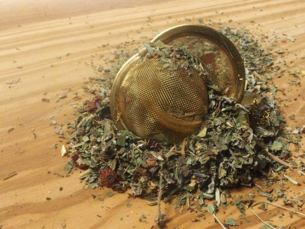 Denne urte te er blandet efter opskrift fra Marcus Marcussen, forfatter til Helbredende urter