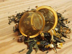 En af vor egne favoritter. Gul aroma te med dejlig fersken, jasmin blomst og japansk kirsebær. Fint afstemt sødme kombineret med friskhed fra jasminblomst.