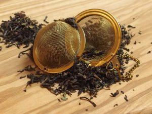 En typisk storbladet te, der er har en rund og let krydret smag. Lidt kraftigere end Darjeeling teer.