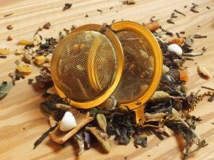 Hvid Pai Mu Tan te fra Kina. Denne blanding tager udgangspunkt i den klassiske italienske julekage Panforte De Siena. Dejlig sød med god smag af kanel.