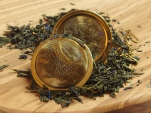 Denne te er blandet så den egner sig godt til at nyde sammen med ren mørk chokolade. Teen indeholder mango og passionsfrugt.