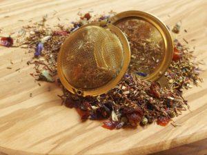 Rooibos urte te fra Sydafrika. Dejlig let sødlig blanding med bl.a. Gojibær, tranebær, hybenskaller, KIWI, katost, ginsingurt, abrikos og granatæble. Velegnet som is te.