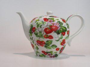 Porcelæns tekande 1,7 l med motiv af smukke roser.