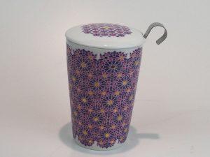 Dobbeltlags tekrus af porcelæn med tilhørende tesi og låg af porcelæn i forskellige designs Volumen: 0,35L